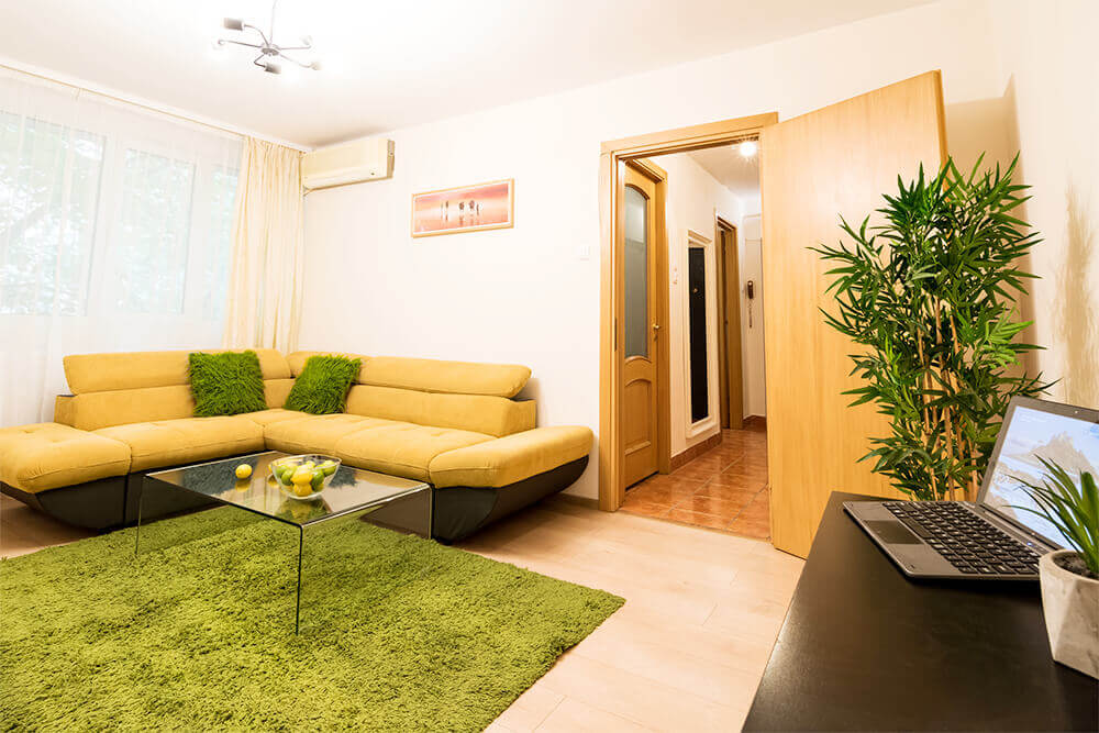 Quiet spacious apartment for short term rental in for Bucharest apartments