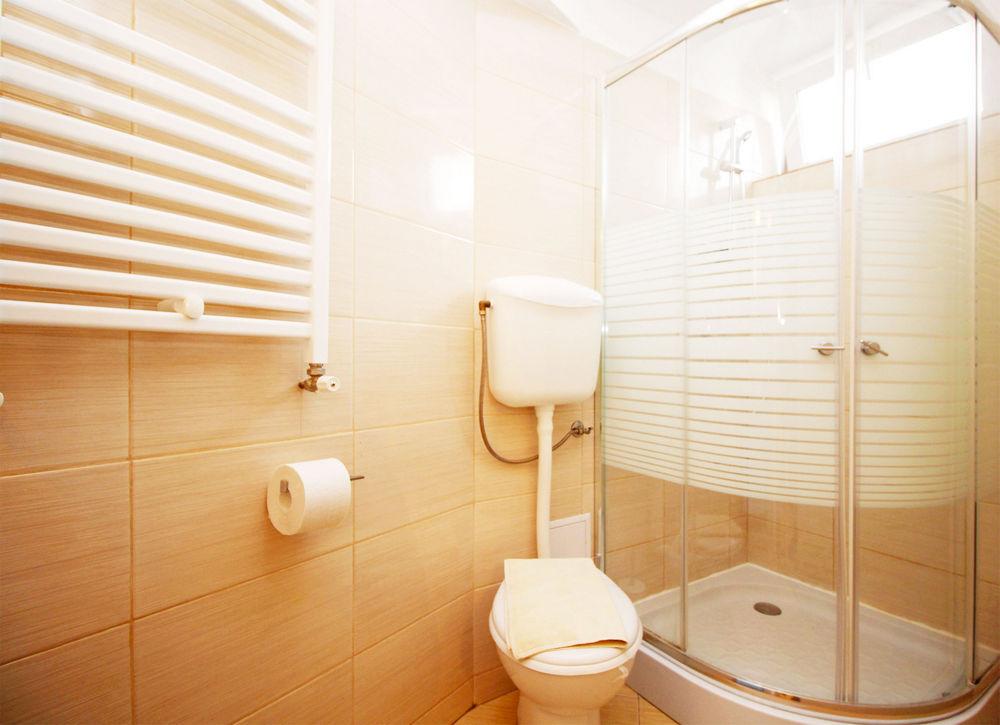 studio pas cher court s jours bucarest pr s de la. Black Bedroom Furniture Sets. Home Design Ideas